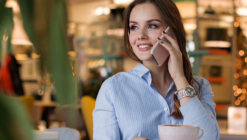 كيف اجعل حبيبي يحبني بجنون عبر الهاتف ب10 خطوات